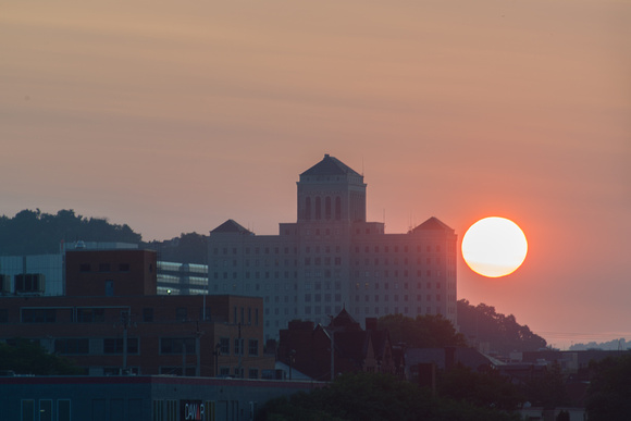 The sun rises by Allegheny General Hospital in Pittsburgh