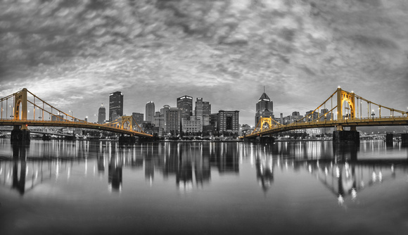 Panorama of Pittsburgh on a cloudy morning from the North Shore - SC