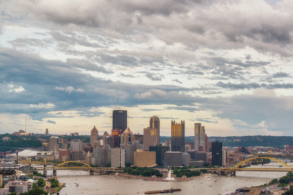 Clouds gather over the Pittsburgh skyline HDR