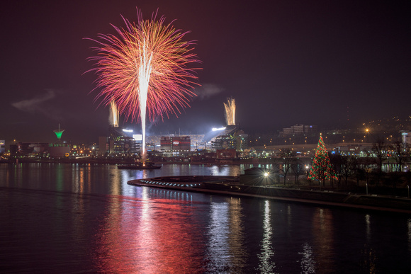 Fireworks light up Heinz Field in Pittsburgh