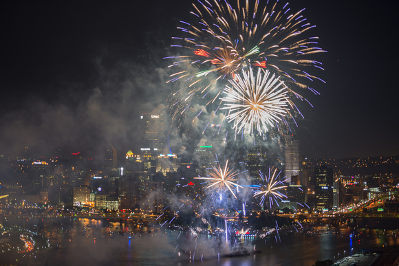 2013 4th of July fireworks over Pittsburgh