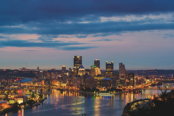 Colorful sky over the Pittsburgh from the West End Overlook at dawn