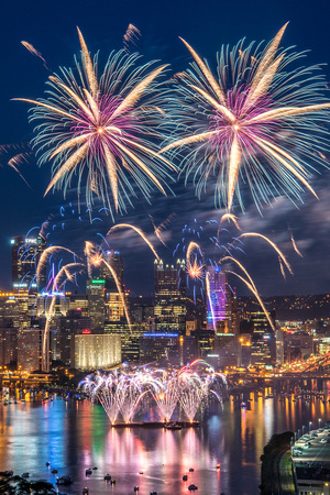 Pittsburgh fireworks - July 4th, 2017 - West End Overlook - 013